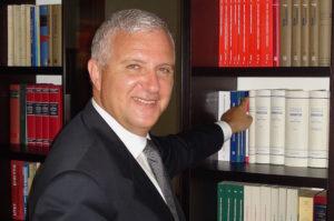 юрист, адвокат в Италии и России, юридическая консультация и помощь